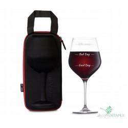 Gigantiškas bokalas vynui...