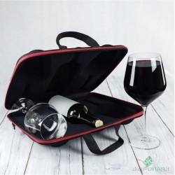 Gigantiškas vyno bokalų...