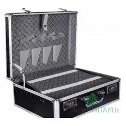 Solidus lagaminas kirpėjoms